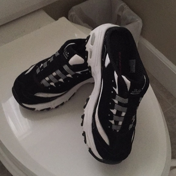 skechers slide on tennis shoes